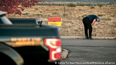 USA Santa Fe   Alec Baldwin erschießt Kamerafrau am Filmset von Rust