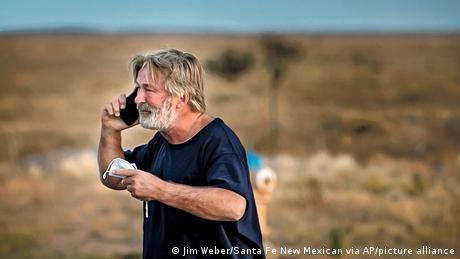 Santa Fe Alec Baldwin nach Polizei Befragung Schußwaffen Unfall Film Set