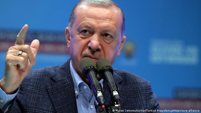Erdogan volta atrás e desiste de expulsar dez embaixadores