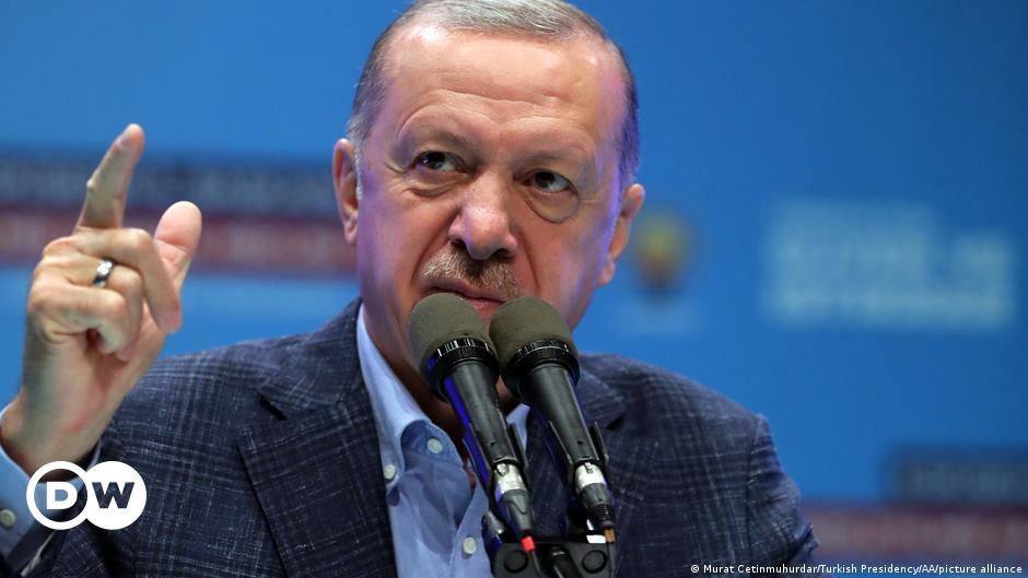 Президент Турции отказался от намерения выслать послов западных стран