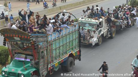 Pakistan Anhänger Tehreek-e-Labbaik Marsch nach Islamabad