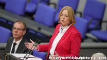Bärbel Bas (SPD) spricht nach ihrer Wahl zur Bundestagspräsidentin bei der konstituierenden Sitzung des neuen Bundestags. +++ dpa-Bildfunk +++
