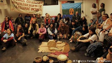 Uruguay | Miembros de la minoría indígena charrúa, en Montevideo.
