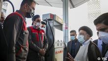 Irans Präsident, Ebrahim Raisi, besucht am 27.10. eine Tankstelle in Teheran, ein Zag nach den Cyberangriff auf Tankstellennetz. Quelle: YJC/Lizenz frei