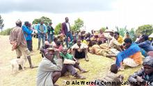 28.10.2021 Äthiopien Ale Wereda SNNPR Local authorities of Ale Wereda discussing with residents after gunmen killed Five people in the area
