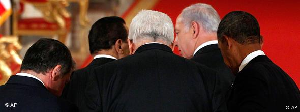 Jordan's King Abdullah II, Egyptian President Hosni Mubarak, Palestinian President Mahmoud Abbas, Israeli Prime Minister Benjamin Netanyahu and President Barack Obama leave after making remarks on the Middle East peace negotiations in the East Room of the White House in Washington, Wednesday, Sept. 1, 2010. (AP Photo/Charles Dharapak)