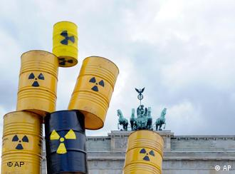 anti-nuclear action in from of the brandenburg gate