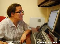 منیرو روانیپور: با استفاده از اینترنت دیگر واسطهای بین من و مردم نماند