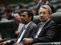 علی  لاریجانی، رئیس مجلس در کنار رئیس قوه مجریه محمود احمدینژاد