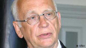 تيلمان زولتس: وضعيت حقوق اقوام در سطح جهان بهتر شده است