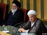 یوسفی اشکوری  معتقد است تنها شخصی که میتواند کشتی طوفانزدهی جمهوری اسلامی را نجات  دهد هاشمی رفسنجانی است