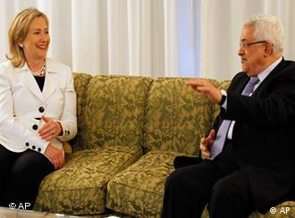 US Secretary of State Hillary Rodham Clinton, left, meets with Palestinian President Mahmoud Abbas, in Sharm El-Sheikh, Egypt Tuesday, Sept. 14, 2010. Clinton said the time is ripe for Mideast peace, but that without face-to-face talks Israel can't expect lasting security and the Palestinians can't create an independent state.(AP Photo/Alex Brandon, Pool)