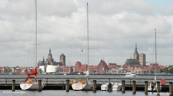 Вид на Штральзунд с острова Рюген. Отсюда начинался путь ганзейских товаров в Великий Новгород