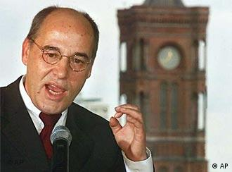 PDS figurehead Gregor Gysi says reforms are hitting the poorest