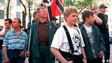 Russische Skinheads der Nationalen Russischen Bewegung in Moskau