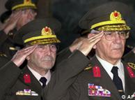 Влиятелните турски военни неведнъж са вземали нещата в свои ръце