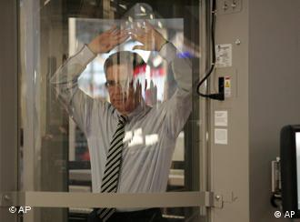 Thomas de Maiziere in the scanner