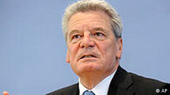 Joachim Gauck, candidate of the Germany's Social Democratic Partc (SPD) and the Green Party for the presidential elections attends a news conference Berlin, on Friday, June 4, 2010. The 70-year-old Joachim Gauck will face government candidate Christian Wulff when a special parliamentary assembly meets June 30 to elect a new head of state. (AP Photo/dapd/Berthold Stadler)