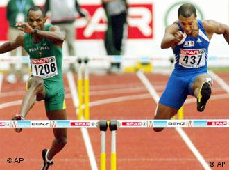 Two hurdle runners during the 2002 Munich Euro Athletics