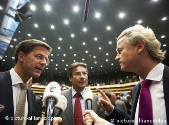 Leader of the Dutch liberal party VVD Mark Rutte, leader of the Dutch Christian party CDA Maxime Verhagen (center) and leader of the Dutch right-wing party PVV Geert Wilders (right)