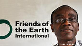 Umweltaktivist Nnimmo Bassey (Quelle: FoEI/Romel De Vera)