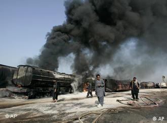 تانکرهای حامل بنزین ناتو در آتش