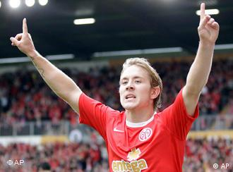 Mainz's Lewis Holtby