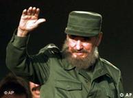 Fidel Castro waving in 1997