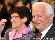 那时的德国总统魏茨泽克和联邦议院议长许斯穆特