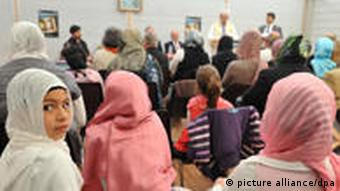 Junge Muslime in der Kölner Moschee