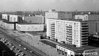 Luftbild der Karl-Marx-Allee aus dem Jahr 1967 (Foto: dpa)