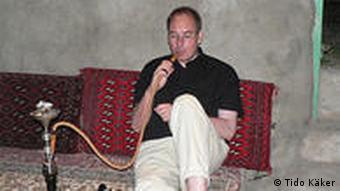 تيدو كهكر، گردشگر آلمانى در سفر خود به ايران با زندگى و طرز رانندگى ايرانيان آشنا شده است.
