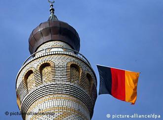 Auch die neue Moschee in Rendsburg soll einmal von der Imam-Ausbildung profitieren (Foto: dpa)