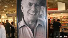 Plakat mit Bild des Literatur Nobelpreisträgers Mario Vargas Llosa