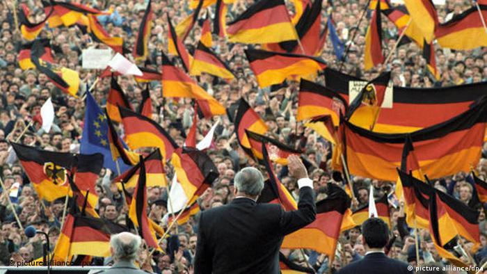 Helmut Kohl bei einer Wahlkampfveranstaltung FLASH-Galerie