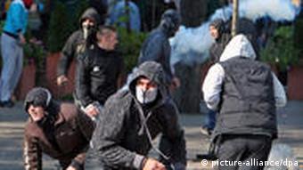 Anti-gay protestors clash with Serbian riot police