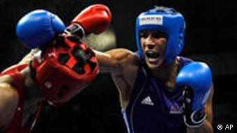 India's Vijender Singh punches back at the Commonwealth Games