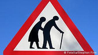 Warnschild Verkehr Vorsicht Altersheim