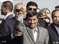 سفر پرهزینه  احمدینژاد به لبنان بخشی از مدیریت راهبردی در منطقه به شمار میآید