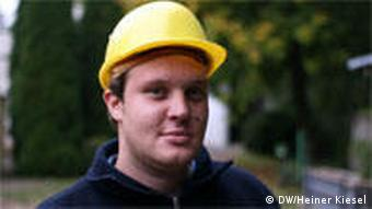 Student, Mirco Altmann in a yellow hard-hat