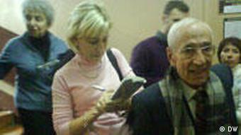 Юрий Шмидт по время процесса по делу Ходорковского в здании суда