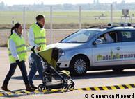 برلن کے سابق ٹیمپل ہوف ایئر پورٹ میں تیرہ اکتوبر 2010ء کو مصنوعی ذہانت والی کار کا تجربہ کیا گیا