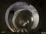 Θα δουν οι Έλληνες φως στην άκρη του τούνελ;