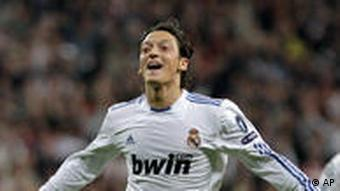 Fußball Champions League Real Madrid Özil