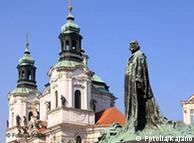 Monumento a Johannes Huss, en el casco antiguo de Praga.
