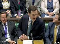 财政大臣奥斯本(George Osborne)在下院公布节约计划