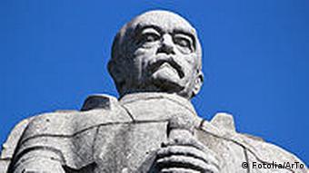 Памятник Бисмарку в Гамбурге
