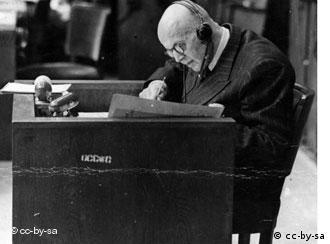 Proceso Wilhelmstrasse, el 11.º de 12 procesos de Núremberg, 1948, en el que fueron acusados numerosos miembros del ministerio de RR. EE. del III Reich. En la foto: Hans Heinrich Lammers, jefe de la cancillería del Reich.