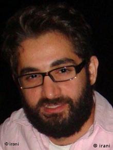 آآرش غفوری خبرنگار ایرانی و عضو کمیته اطلاعرسانی حزب مشارکت در آمریکا