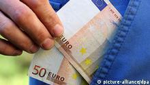 Symbolbild Korruption Geldscheine Euro
